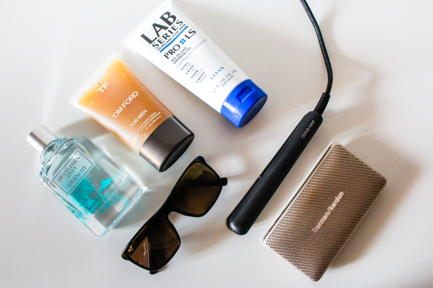 Mr Neo Luxe Travel Essentials for extended trips