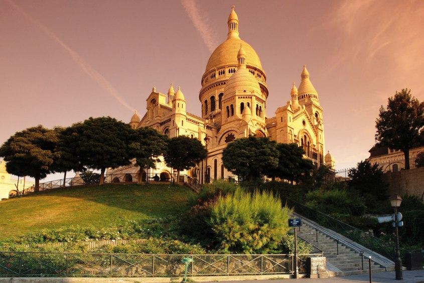 Mr Neo Luxe Montmartre Paris